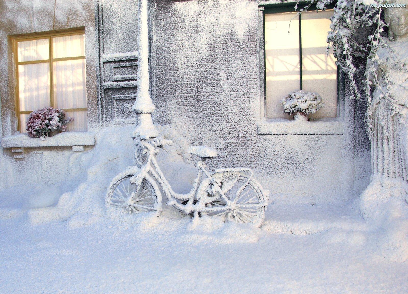 Znalezione obrazy dla zapytania domy zimą